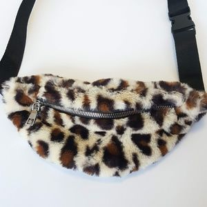 Handbags - Women's Leopard Print Fanny Pack Bum Bag Fuzzy